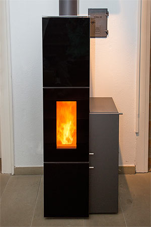 unsere ausstellung im eingangsbereich edzard wilkens ofenbau und keramik. Black Bedroom Furniture Sets. Home Design Ideas